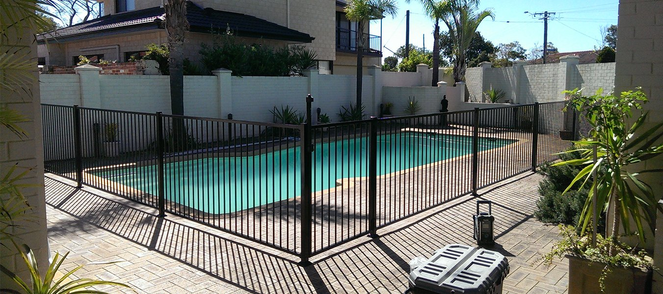 Metal pool fence