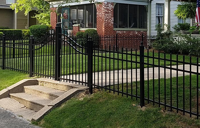 Role of the Professional Technicians in Aluminum Fencing Installation